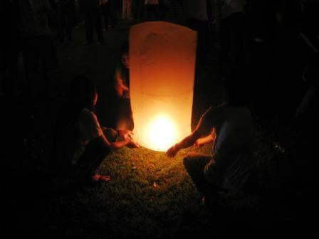 lighting-the-khom-fai